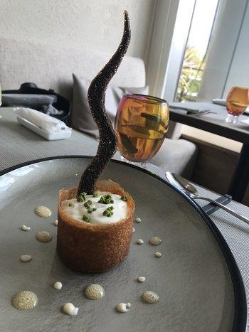 料理はすべてアートのように美しく、視覚と味覚の両方で楽しめます◎