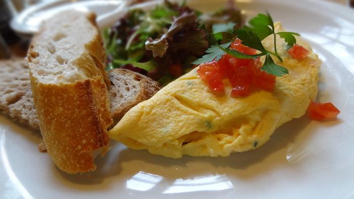 週末は早起きをして、とっておきの『朝食』を食べてみませんか?一日の始まりに特別なごはんを食べると、いつもより充実した日を過ごせそうですよね。普段はなかなか行けない憧れのお店に足を運んでみましょう。