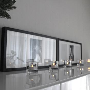 同じ容器を等間隔で並べれば、広い空間を柔らかく照らす、ダウンライトのような明かりに◎ とっても雰囲気のあるおしゃれな空間になります。