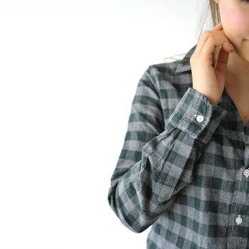 風が冷たくなってきた頃に活躍するフランネルシャツ。合わせるアイテムに工夫すれば、さまざまな雰囲気のコーディネートが楽しめます。ぜひ参考にして、みなさんもフランネルシャツで秋らしい着こなしを満喫しましょう♪