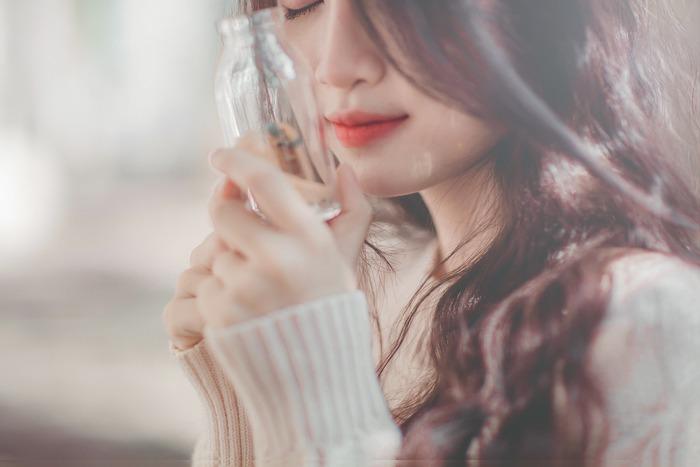 ネガティブな感情がわいてきたとき、頭の中の言葉もネガティブなものになっています。そんなときは、感情がそれ以上大きくならないように「小さく、小さく」ととなえ、「大丈夫」「なんとかなる」「きっとうまくいく」と繰り返しましょう。「心の使いかた」を変えるには、いい言葉を口癖のように使うことです。