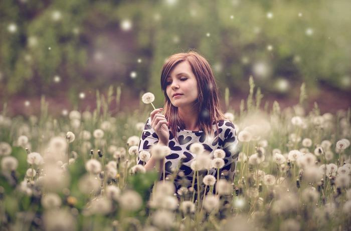 物事に対して感情的になってしまうのはなぜでしょう。それは、「心の使いかた」を知らないがために、「快」か「不快」かの二者択一の反応しかできないから。心の基本は「ニュートラル」であると覚えておくと、「反応しない」という選択肢をもつことができますね。