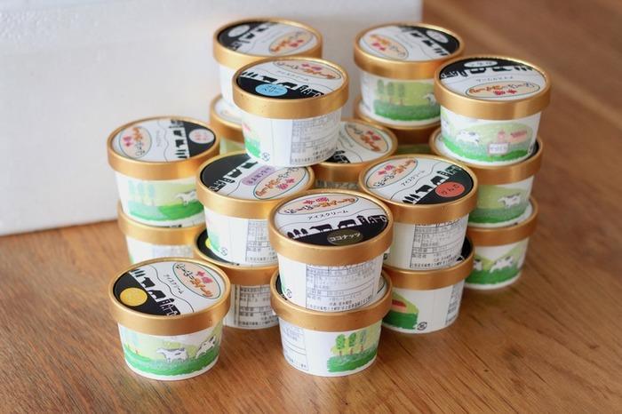 北海道十勝のアイスクリームはちょっぴり贅沢なおやつタイムを楽しみたいときにおすすめの返礼品です。ガラスのうつわに丁寧に盛りつければ、おもてなしにもぴったりです。
