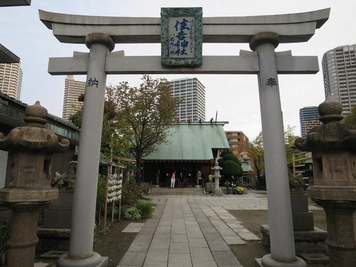 下町八福神めぐりのしめくくりは、渡航安全の神様として月島で親しまれている「住吉神社」です。有楽町線・大江戸線の月島駅から歩いて5分ほどのところにある、下町らしいどこか懐かしい雰囲気です。