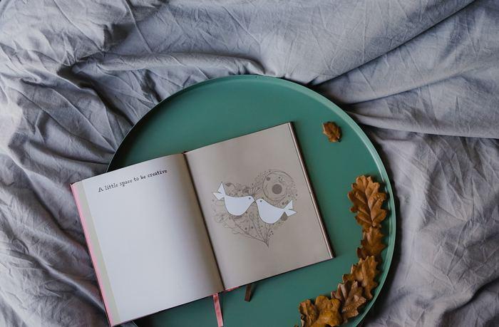 静かな秋の夜長に。そっと開いて眺めたくなる「絵本・画集」