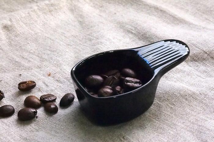 ロブスタ種の風味は、アラビカ種とはかなり異なります。一般的には独特の風味がありブレンドで使われることが多いと言われているロブスタ種ですが、コーヒーの知識が深い方の中には、おいしいロブスタ種の飲み方を知っているという方も。そういった方との出会いが、さらにコーヒーの世界を広げてくれるかもしれませんね。