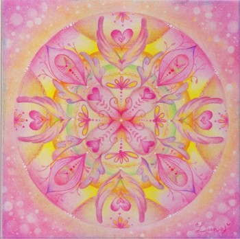 曼荼羅の塗り絵にも、水彩色鉛筆は大活躍。塗っていくだけで心が整いそうですね。