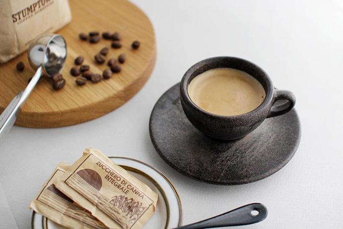 人気のコーヒー専門店のコーヒー豆には、どんな特徴があるのでしょうか?それぞれ特徴の異なる3つの専門店をピックアップしてみましょう。