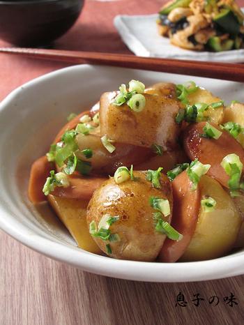 お肉がないときの救世主になる「新じゃがと魚肉ソーセージの甘照り煮」はメインのおかずにもなり、お弁当にも!腹持ちも良いのでオススメですよ。