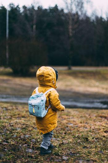 キッズ用のバックパックは小ぶりなサイズ感が可愛らしいですね。また、旅行の持ち運びに便利なキャリー付きバックパックは、移動にも便利でおすすめです。