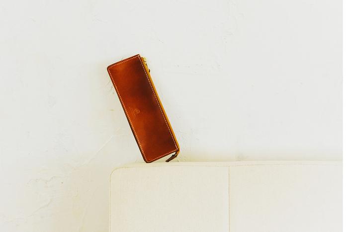 サイズ感が可愛いだけじゃない。大人の女性が「コンパクト財布」を選ぶ理由