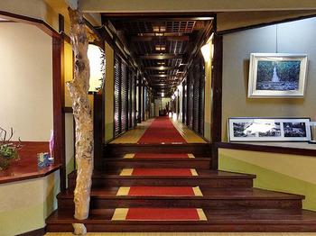 全ての部屋の造りが異なり、作られた年代や様式が異なる、それぞれの趣を味わえます。