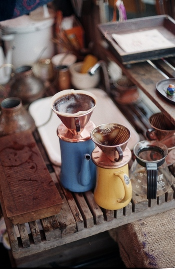 酸味が少なく苦味が多いものの、ドライフルーツのような甘い香りと全体的なバランスがとれているため、ブレンドコーヒーのベースに多く使われています。