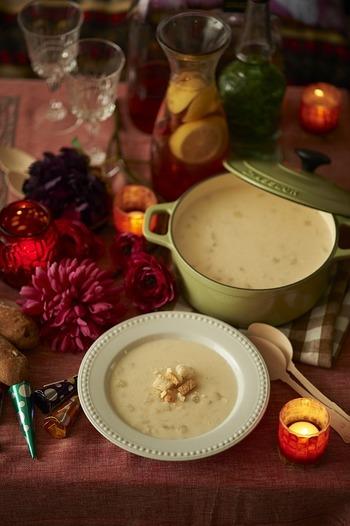 具材を選ばず、味のバリエーションも豊富で、メインにも副菜にもなるシチュー。ここで紹介したレシピを参考に、お好みでアレンジして色々なシチューを楽しんでくださいね。