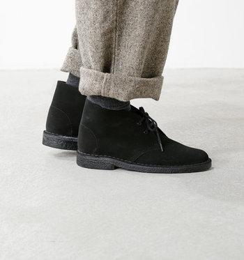 履きやすさや快適さが魅力のクラークス。足の健康を常に考え心地よい状態を保つコンフォートシューズでありながら、スタイリッシュなフォルムが魅力のブランドとして人気です。
