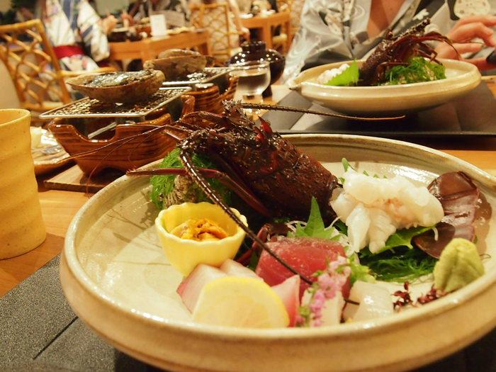 弓ヶ浜を眺めながら食べられるレストランでの食事は、南伊豆の名物伊勢海老をはじめ南伊豆の絶品海の幸がズラリ!
