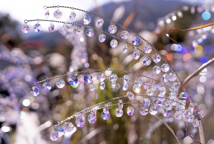 クリスタル・ガラスのアーチやススキ、ツリーなど、ガラスでできたアート作品の展示も見逃せません。澄んだ空気の中で、太陽の光をキラキラと反射させている姿はとても綺麗です。