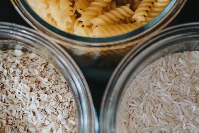 クッキーを湿気や虫から守るために作られた容器なので高い密閉性が一番の特徴です。本体とフタの間にシリコン製のパッキンが付属されているためにフタがピタッと閉めることができて、湿気が大敵の食品などの保存にピッタリの入れ物なのです。