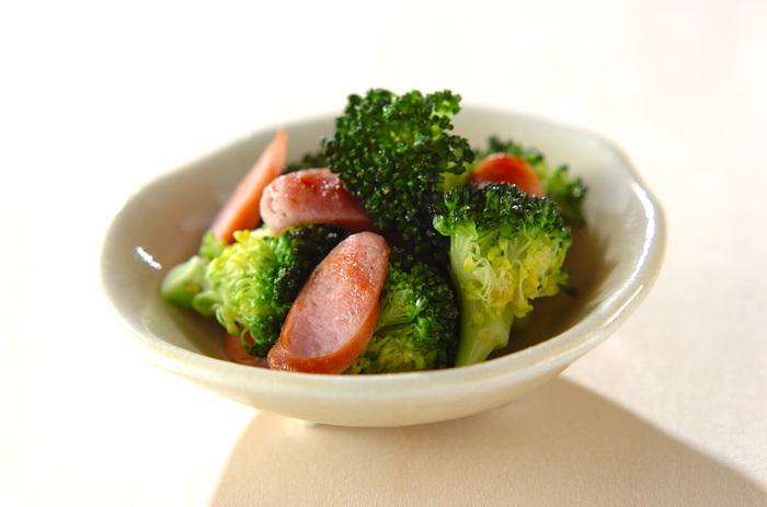 とってもシンプルなのに味わい深いのはソーセージの力。お弁当はもちろん、おつまみとしても活躍してくれるシンプルイズベストなレシピです。