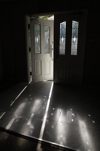 当日はちょっぴり早めに家を出て、ゆっくりと北野の景色を眺めながら到着。 ドアを開けた途端に走る緊張感、1日を想像しながらお支度へ。