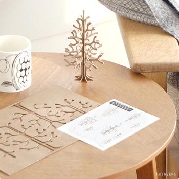 フィンランドのバーチ材を使ったlovi(ロヴィ)のもみの木オブジェ。くり抜くだけで作れるのでとっても簡単。そしてこのロヴィツリーは購入することで自然保護活動のお手伝いもできるという製品。