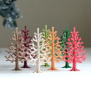 カラーリングも色々選べるので贈り物にも喜ばれます。全色揃えて窓際に並べるのも可愛らしいですよね。
