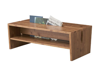 テーブルの中央にマガジンラックスペースがあるタイプです。読みたいときにさっと取ってテーブルで読書、読み終わったらささっとしまえるのが嬉しいですね。