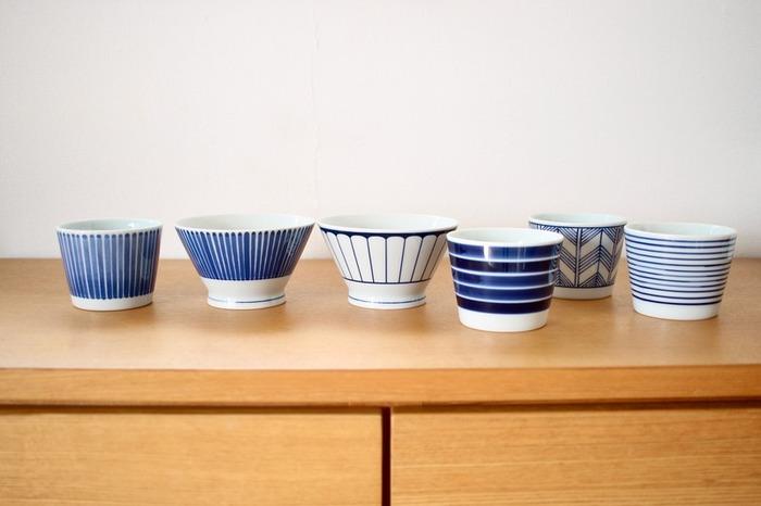 無印良品の食器のなかでも目を引くのが、ブルーの美しい「波佐見焼くらわんか飯碗」です。シリーズで蕎麦猪口や豆皿、小鉢などもあり、食卓を華やかにしてくれます。食洗機対応ですので、毎日使いたくなる気軽さも魅力です。