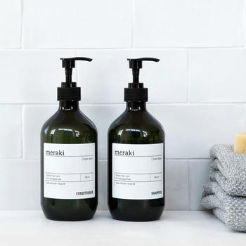 デンマーク生まれのブランド「Meraki(メラキ)」のシャンプーは、自然素材を取り入れた高品質のプロダクト。髪に潤いを与えてくれます。それなりの価格をしてボトルもステキなので、実用的なプレゼントにもおすすめです。