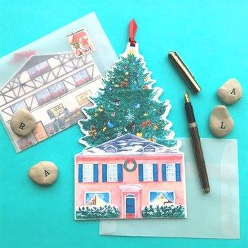おうちの屋根からツリーが出てくる楽しい仕掛けのカード。裏面にも細部までこだわったイラストがあり、表と裏どちらも楽しめます。