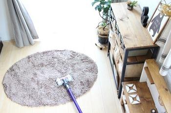 小さめの軽いラグもスイスイお掃除できますよ。掃除機をかける時のストレスが減れば、自然とお掃除の回数も増えそうですね!