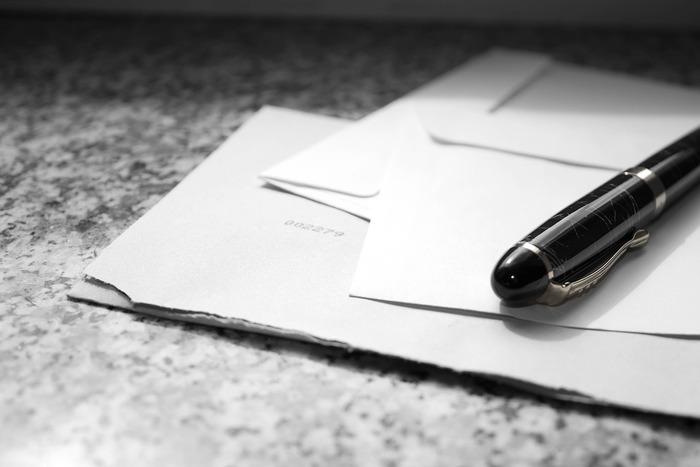 ワンストップ特例制度を使うと1年間で5自治体まで寄付することができます。確定申告の場合と異なり、控除は住民税から全額控除されます。寄付の都度、申請書を郵送します。寄付回数が少ない人はこちらの手続きが簡単です。