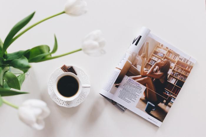 ダイエットや健康な体づくりをテーマに取り上げる雑誌は数多いですよね。残念ながら、本を読んでいるだけではカラダは何も変わりません。ページをめくりながら、健康でいたい、引き締まった体でいたいと思ったら(=インプット)、体と相談しながらできる運動を始めてみましょう(=アウトプット)。