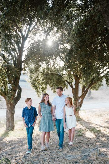 「家族なんだから、改めてあいさつなんて照れくさい…」と思う必要はなく、逆に家族がお互いに気持ちよいあいさつをすれば、より良い家族関係を築いていくことができるのです。