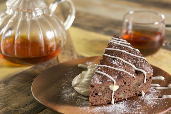 北海道産の食材を厳選して作られたこだわりスイーツも、ぜひ楽しんで。こちらはお砂糖控えめの、身体に優しいチョコブラウニー。