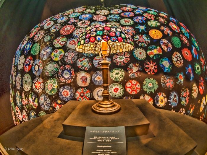 ガラスの森美術館は、日本初のヴェネチアン・グラス専門美術館。中世ヨーロッパで貴族達に愛された、繊細で美しい輝きのヴェネチアン・グラスのガラス細工などが展示されています。