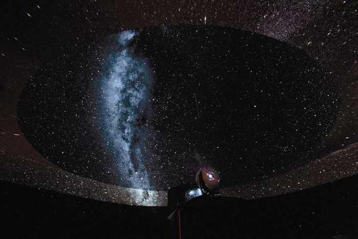 星空の世界遺産を目指すニュージーランドの街・テカポの星空が再現された際の画像です。