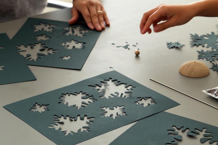 クリスマス気分を盛り上げるために既製品ではなく、自分で作るクリスマスツリーキットはいかがですか?
