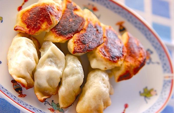 餃子の皮は強力粉が得意とするお料理のひとつです。皮から手作りすれば、いつもの餃子ももっともっと美味しくなりそうです。