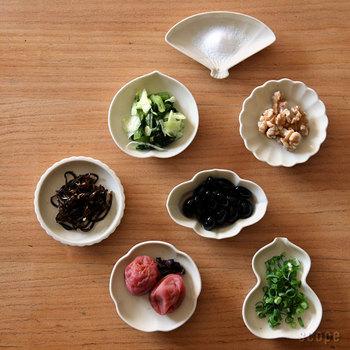 無地なのに表情を感じる。そんなシンプルなデザインの豆皿は、きっと長く使い続けられるはず。どんな場面でも活用できて、貰って困ることがないサイズ感なので、ギフトとして贈るのもおすすめ♪