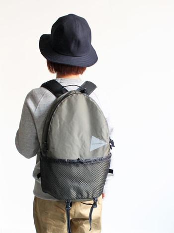 ちょっとした遠出や旅行に使われてきたバックパックですが、最近では普段使いやビジネス用として使う人も増えてきました。可愛らしいデザインのものも増えてきたので、バックパッカーや男性だけじゃなく、女性でも手軽に取り入れやすく。