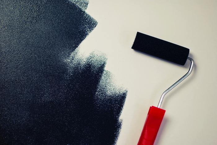 色にはそれぞれの色が持つイメージや、その色が与える印象があります。例えば、「黒」は都会的で上質な雰囲気と神秘的なイメージを持っています。