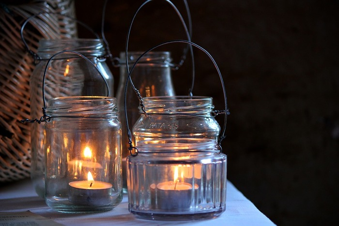 キャンドルホルダーにしても素敵です。ガラスに映る炎がロマンチックですね。
