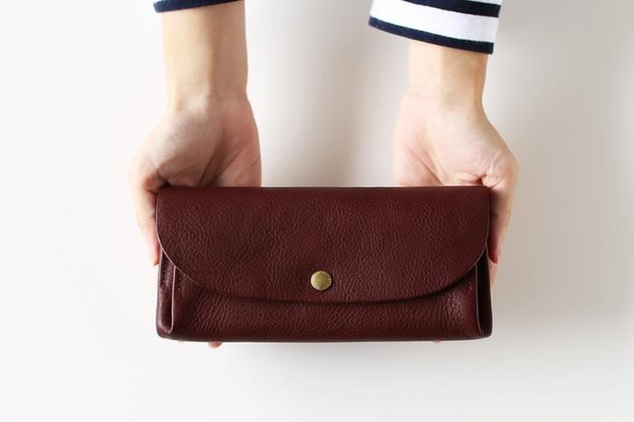 昔から新年に新調する財布を「春財布」と呼び、お正月に替えるとお金がたくさん入るといわれています。しばらく同じ財布を使い続けているという方は、お正月が絶好のタイミング!