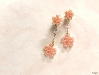 ふんわり優しい桜の花。見慣れたカタチでも、ペーパークイリングで作ればどこかモダンな印象に。