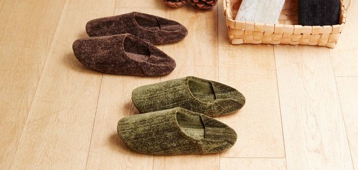 冬になったら、ルームシューズも衣替えを。もこもことした風合いが可愛いボア素材や、ブーツのようなデザインなど、冬のルームシューズはバリエーションが豊富です。
