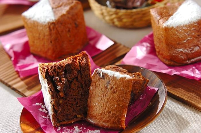 こちらは牛乳パックでつくった型を使ったキューブパンレシピ。オレンジとチョコは相性抜群です。おやつにぴったりのスイートなパンが完成します。