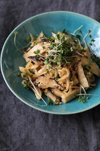 たっぷりきのこと切り干し大根で作る常備菜。栄養豊富でストックしておきやすい切り干し大根は、上手く活用していきたい食材です。使用量20gなので余った分の消費レシピとしても◎