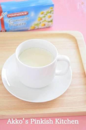 リラックス効果のあるカモミールを、ミルクティーにすることでさらに心やすらぐ味わいに。ハーブティー初心者にもおすすめのマイルドな味です。