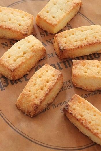 英国スタイルの焼菓子といえば、バターの香るショートブレッド。こちらは米粉を使ってサクサクホロホロに仕上げるレシピです。